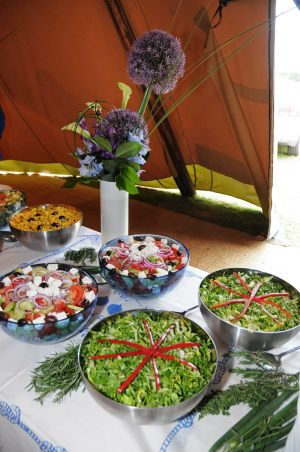 Feast-al-Fresco-Wedding (2)